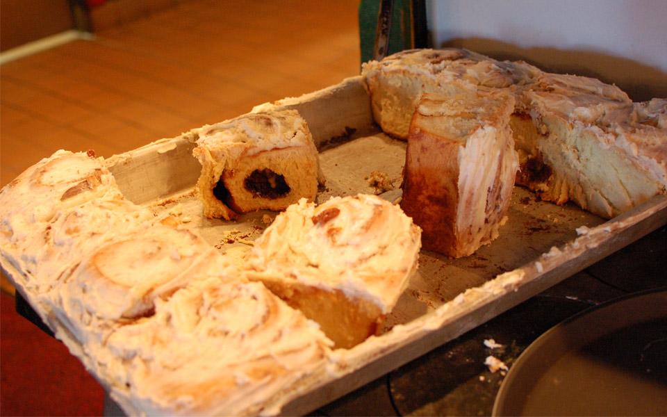 Iowa Machine Shed cinnamon buns
